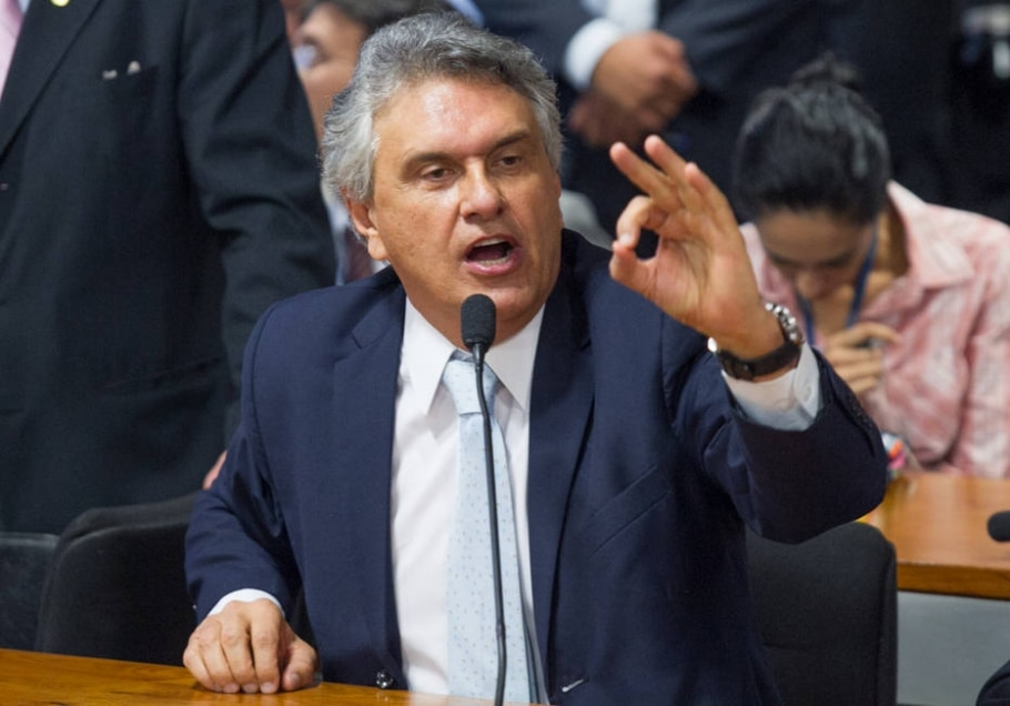 Líder do DEM no Senado coleta assinaturas para instalar CPI do BNDES - Ed Ferreira/Estadão