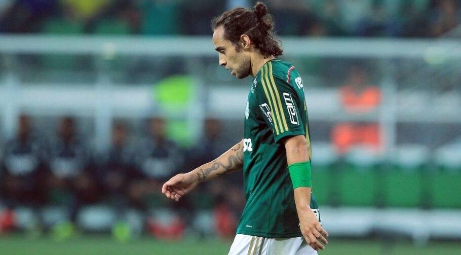 Valdivia é vaiado pela torcida em empate do Palmeiras - Werther Santana/Estadão