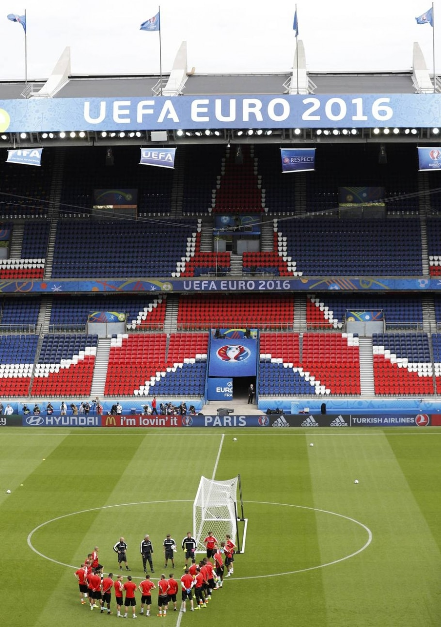 Parc Des Princes - Darren Staples/Reuters