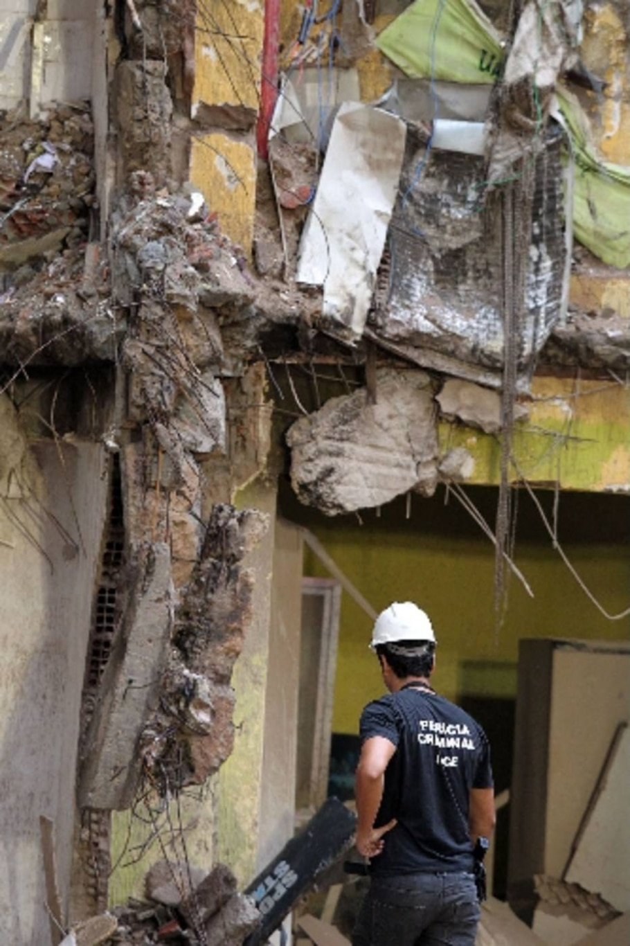 Buscas por vítimas de desabamento no Rio entram em reta final - Fabio Motta/AE