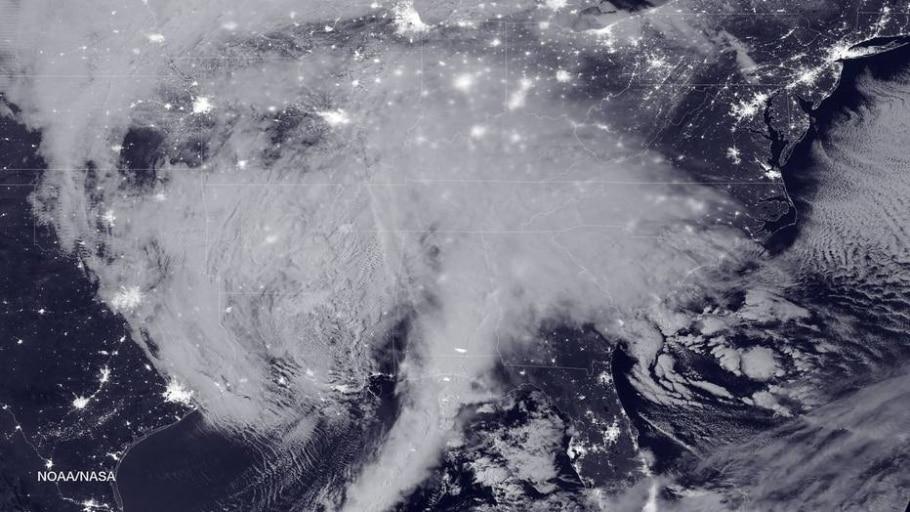 Tempestade de neve nos EUA é vista do espaço -