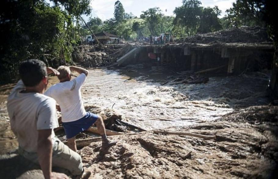 Ainda há desaparecidos e as buscas continuam - Marcelo Camargo - Agência Brasil/Divulgação