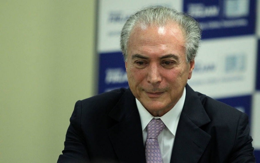 Temer afirma que PMDB está disposto a entregar pastas para reduzir ministérios - Marcos de Paula/Estadão