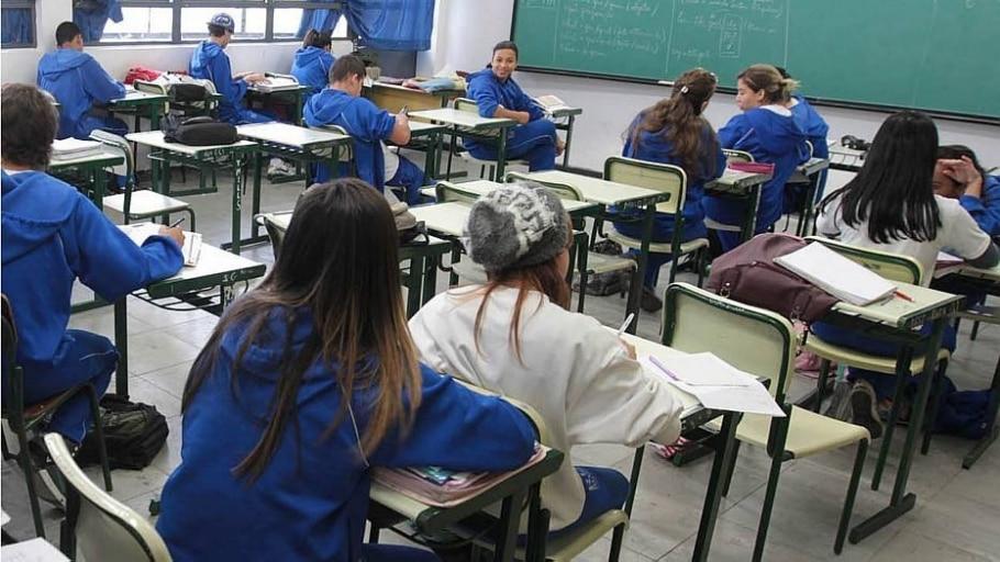 Ensino médio público cai em SP e outras 15 redes estaduais - Paulo Liebert/Estadão