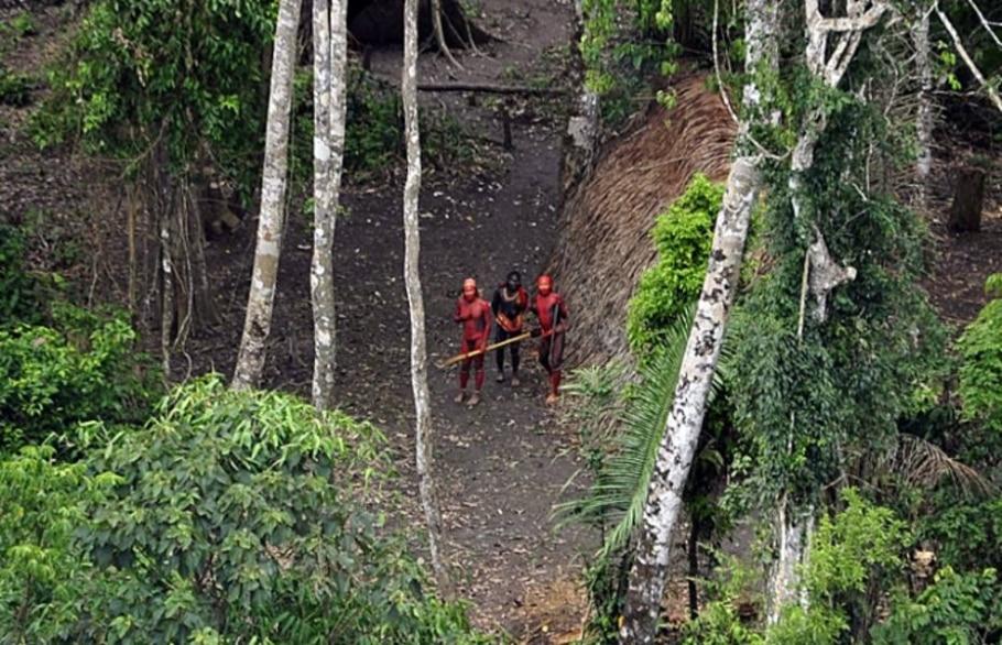 Fotos inéditas de índios isolados no Peru são divulgadas - Gleison Miranda/FUNAI/www.uncontactedtribes.org/Divulgação