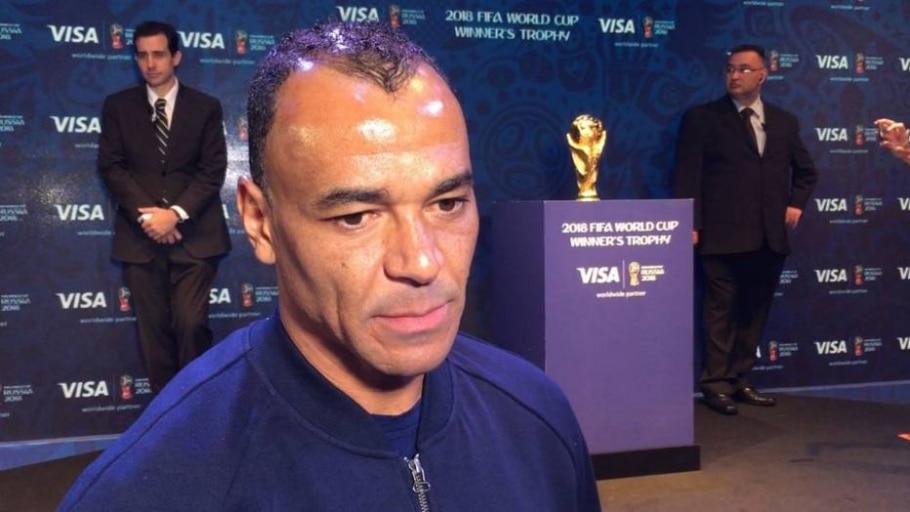 Cafu apresenta trofeu da Copa do Mundo - Rafael Pezzo/ Estadão
