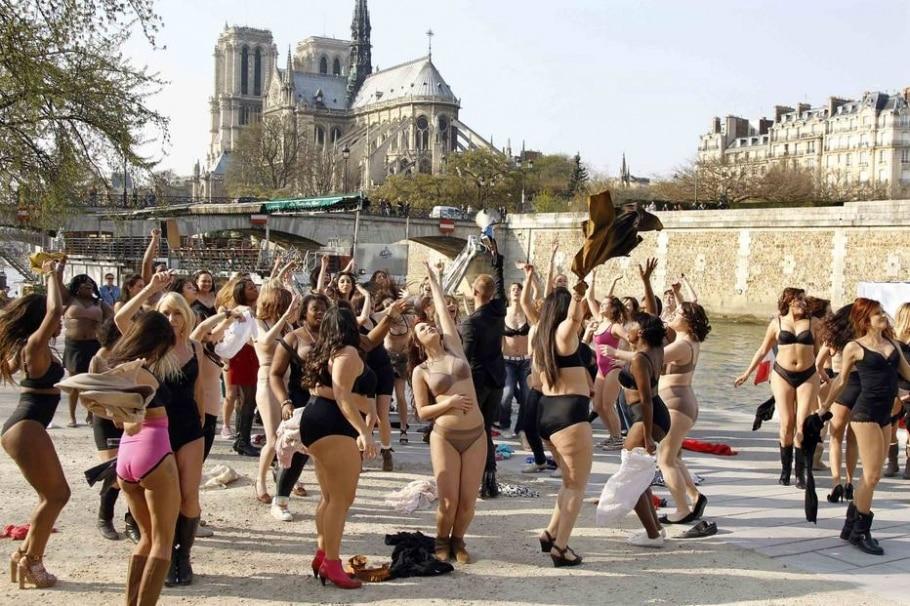 Paris - Charles Platiau /Reuters
