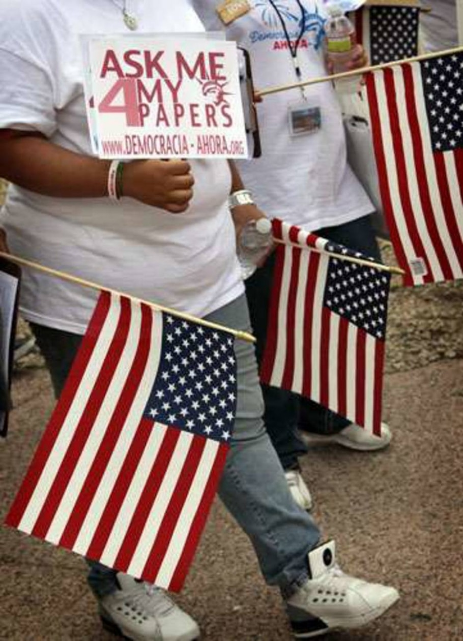 A maioria dos estrangeiros sem documentos em território americano tem origem latina - Matt York/AP