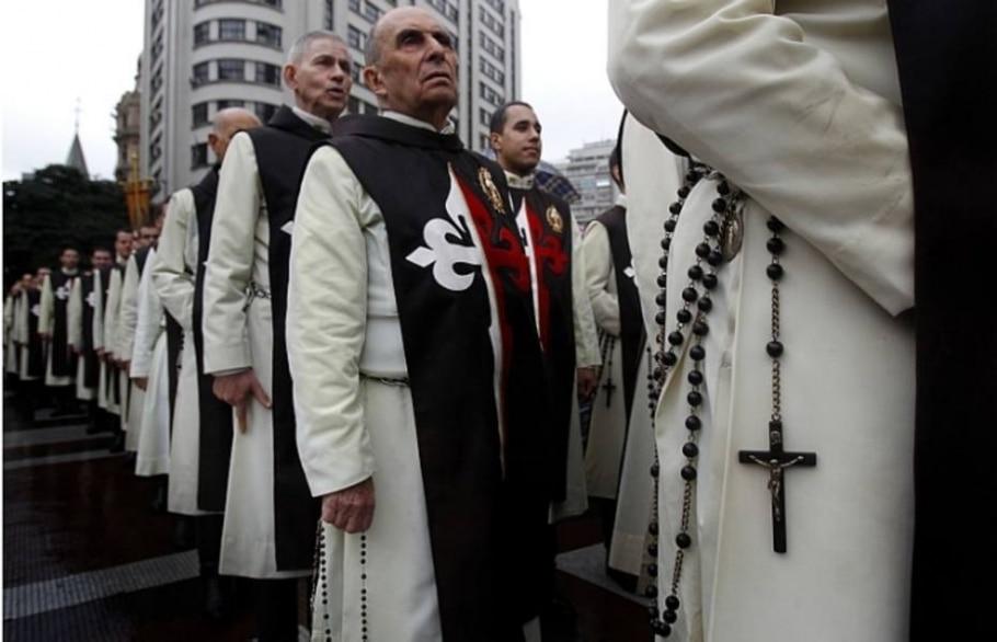 Procissões marcam comemoração do feriado cristão - Filipe Araujo/AE