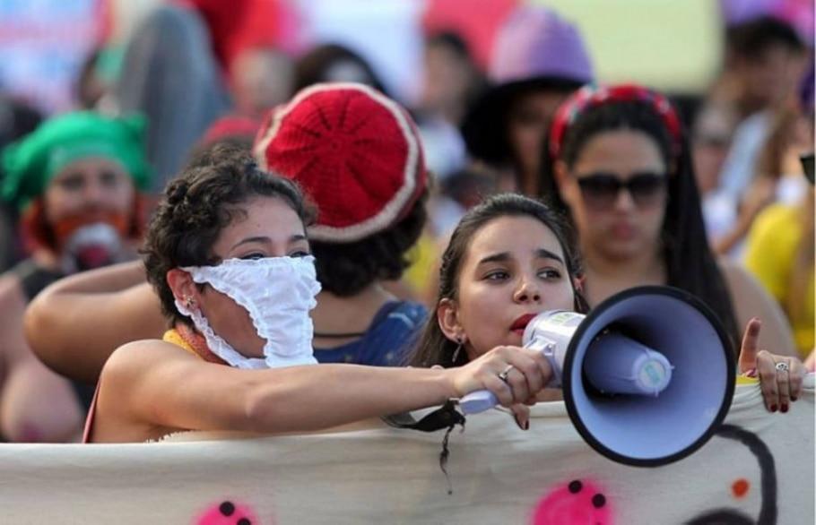 Manifestantes participam da