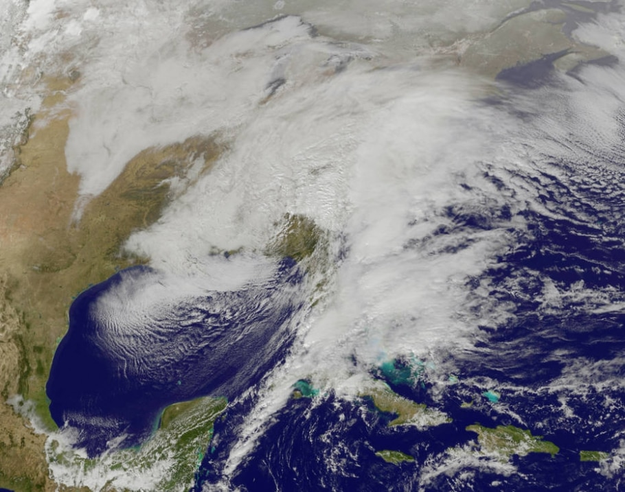 Tempestade de neve nos EUA é vista do espaço - NOAA GOES Project/NASA via AP