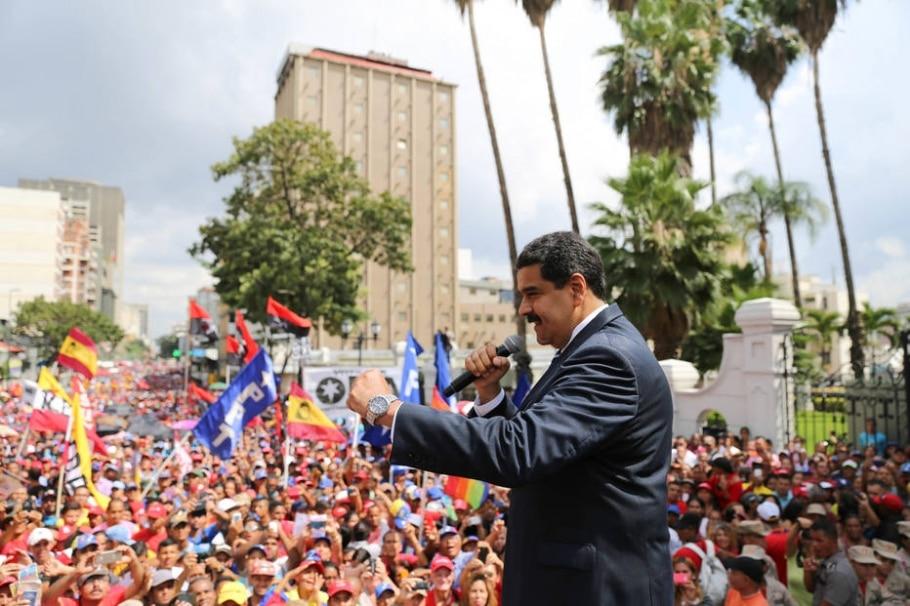 Maduro acusou o opositor e governador de Miranda, Henrique Capriles, de ser responsável pela morte de um policial durante protesto - EFE/PRENSA MIRAFLORES