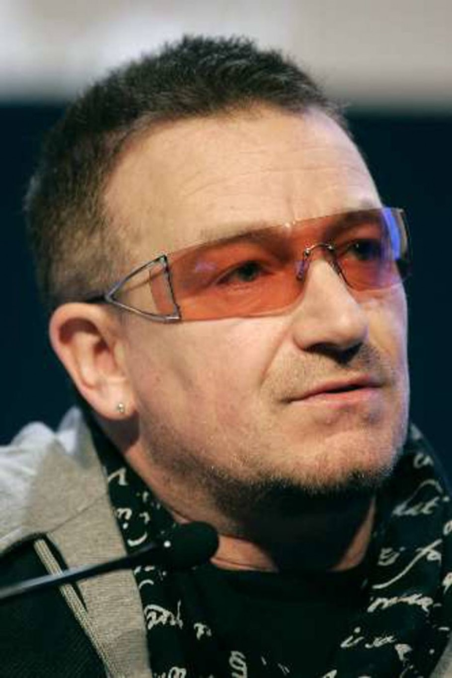 Bono no Fórum Econômico Mundial - Michel Euler/AP