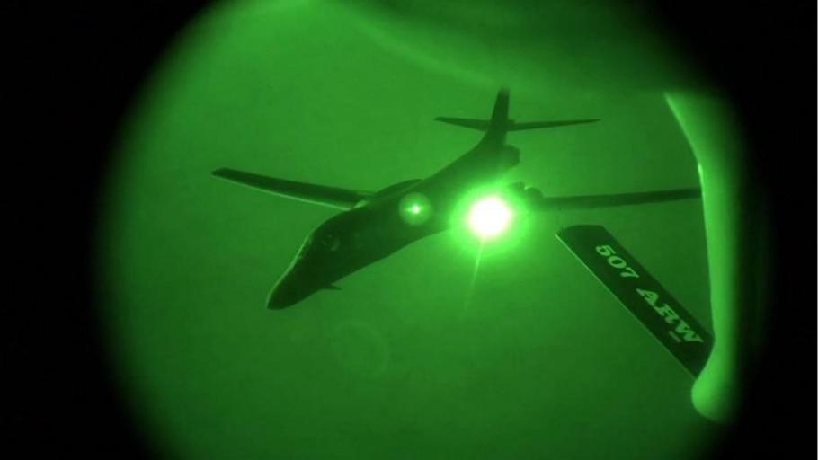Avião das Forças Aéreas americanas reabastece - AFP