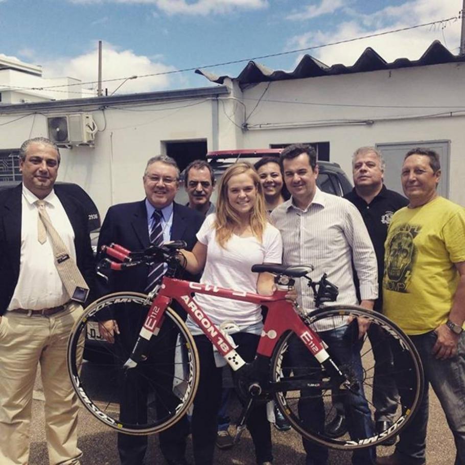 Triatleta recupera em Sorocaba bicicleta furtada em Curitiba - Luca Glaser (@lucaglaser)/Instagram/Reprodução