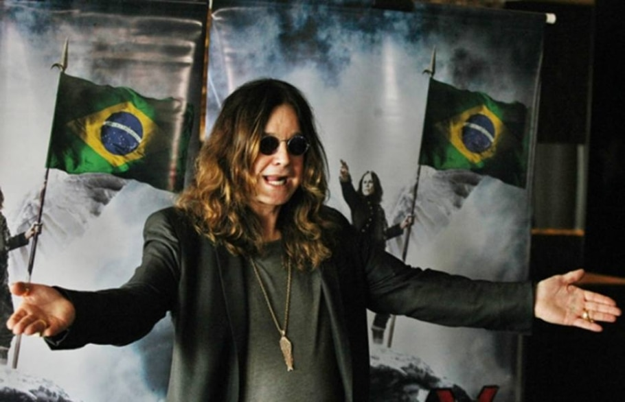 O Príncipe das Trevas, Ozzy Osbourne, durante sessão de fotos antes da coletiva de imprensa - Márcio Fernandes/AE