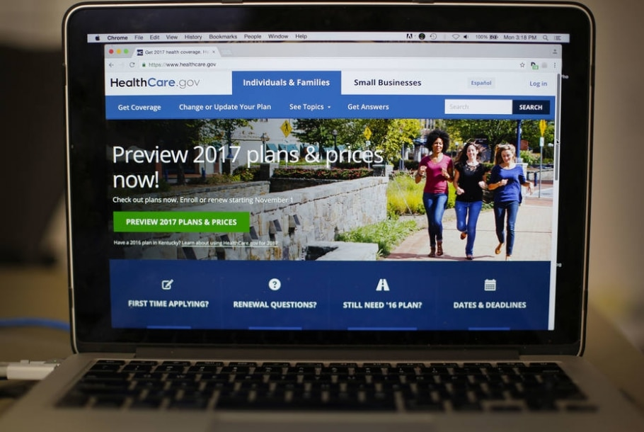 Site do HealthCare.gov, no qual os americanos beneficiados pelo 'Obamacare' podem contratar um seguros médicos por preços acessíveis - AP Photo/Pablo Martinez Monsivais