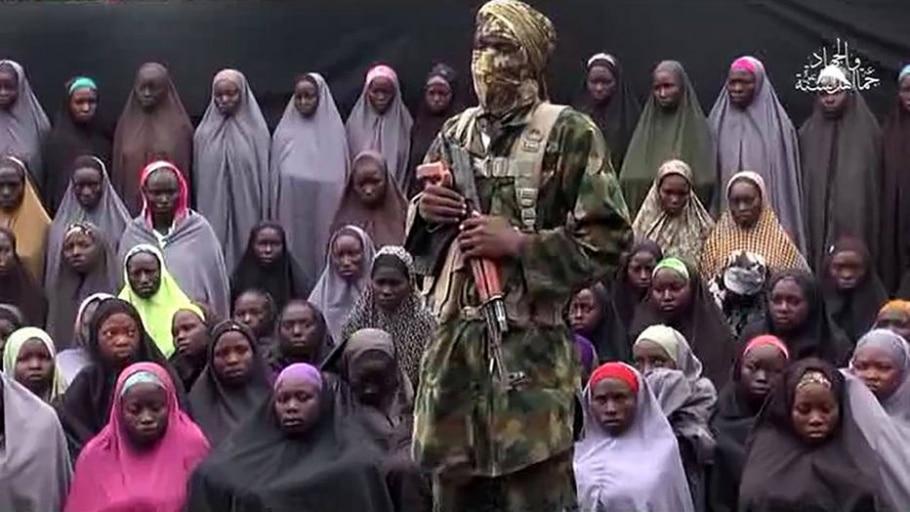 Em agosto, o Boko Haram divulgou vídeo para mostrar que a maioria das meninas sequestradas em 2014 continuava em cativeiro - AP