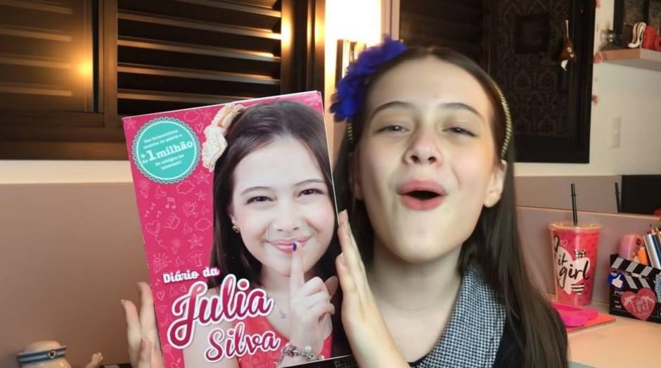 YouTube / @Julia Silva