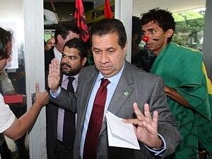 Dilma mandou tocar o barco, diz ministro do Trabalho