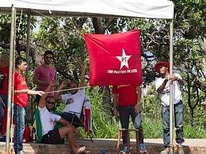 Em carta, petistas agradecem solidariedade de militantes acampados diante da Papuda - Ed Ferreira/Estadão - 18.11.2013