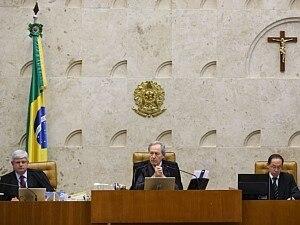 Sem voto de Barbosa, Supremo absolve João Paulo e conclui mensalão