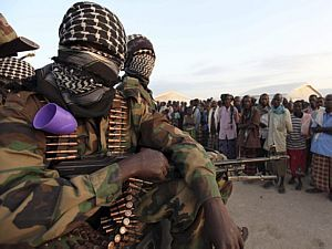 Miliantes do Al-Shabaab - Feisal Omar/Reuters