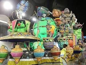 Primeira dama de SP desfilou pela escola - José Patricio/Estadão