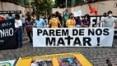 Moradores protestam contra ação policial que matou 25 pessoas na favela do Jacarezinho, Rio