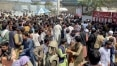 Tumulto em aeroporto de Cabul deixa mortos; EUA interrompem retirada de americanos