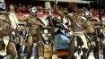 Na 2ª noite de desfiles, sambódromo tem reforço em grades após acidente