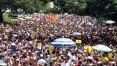 Sargento Pimenta canta Beatles para multidão no Sumaré