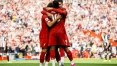 Firmino brilha com assistências, Mané faz 2 e Liverpool vence o Newcastle em casa