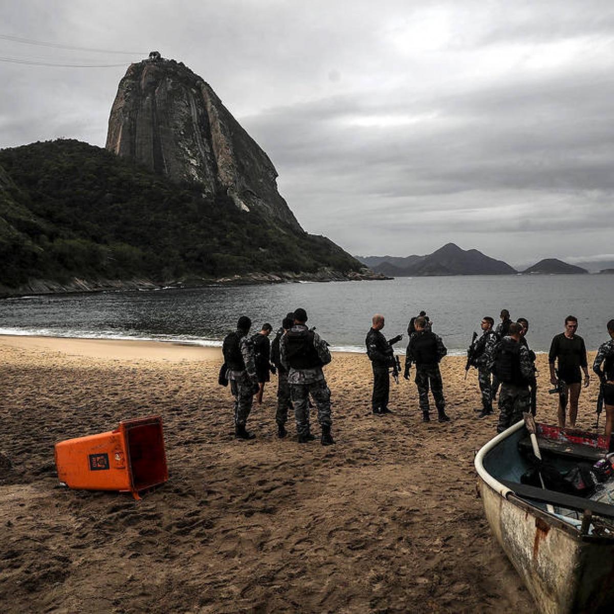 Resultado de imagem para Sete corpos são encontrados em praia da zona sul do Rio