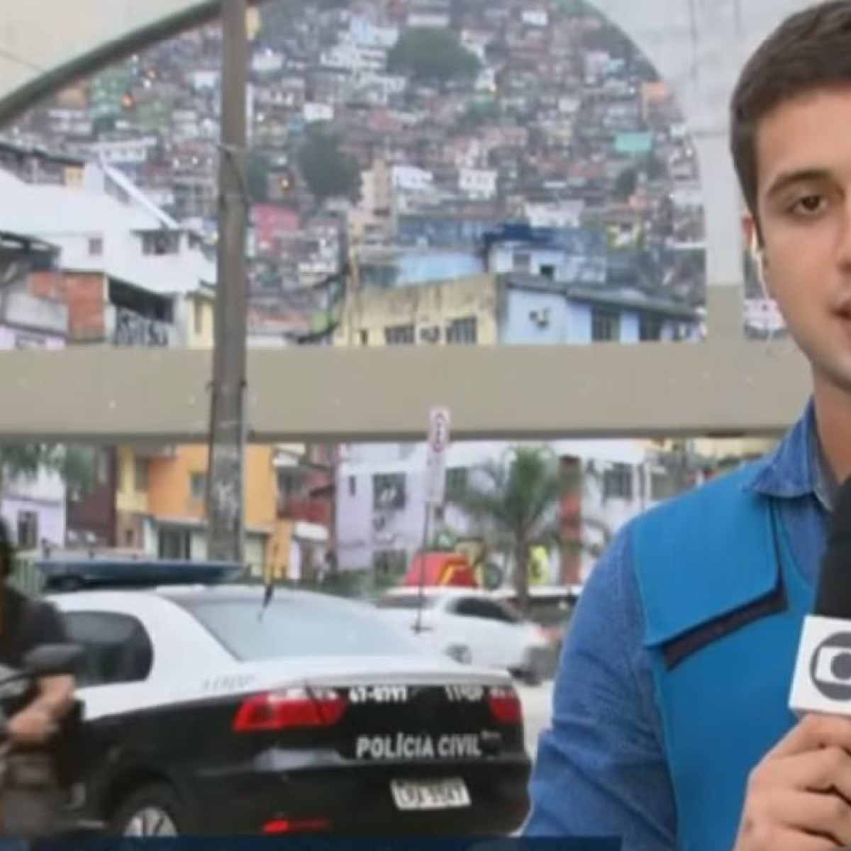 f6fc3af1e134e Gato de óculos escuros  invade  reportagem do  RJTV  - Emais - Estadão