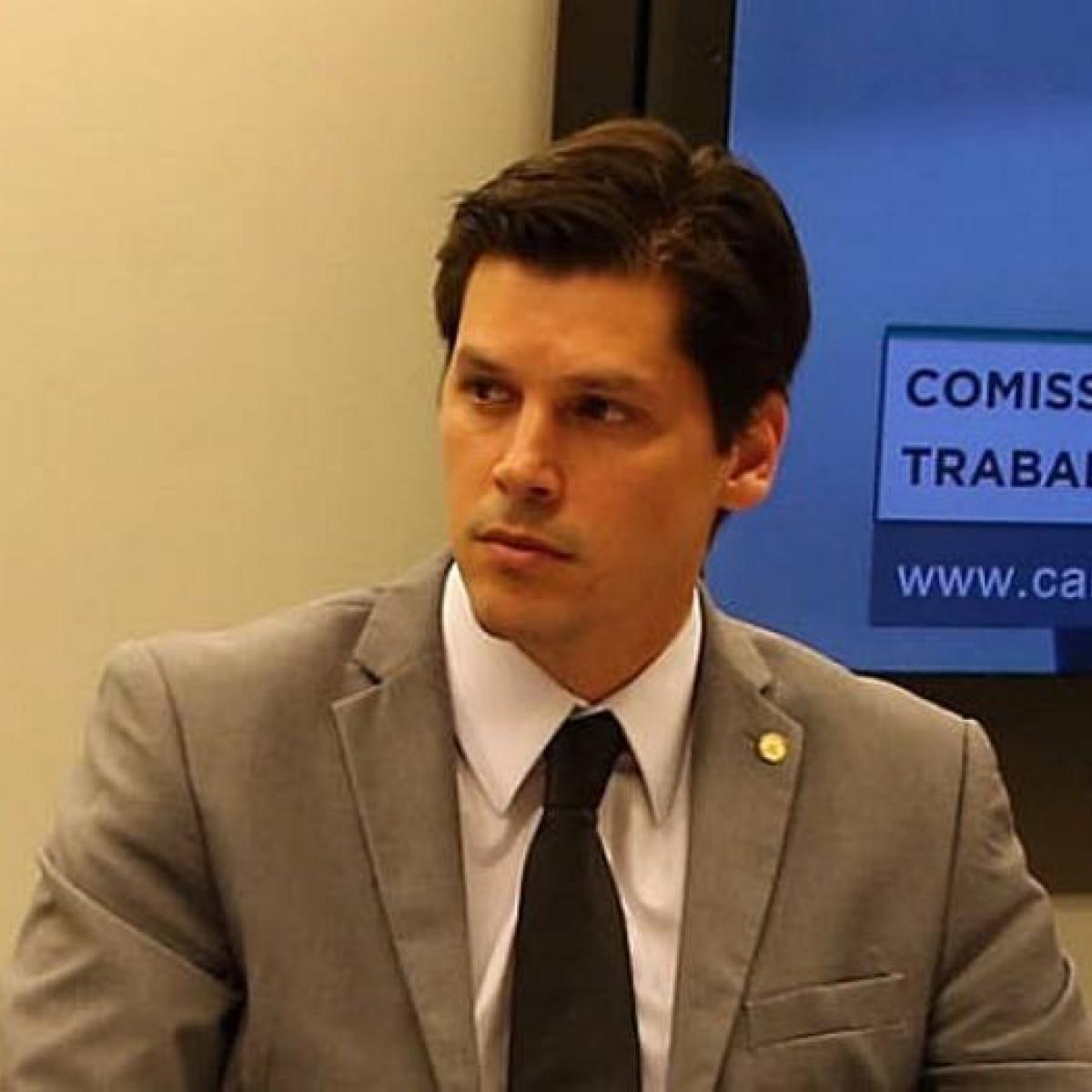 Resultado de imagem para Contrários ao 'fundão' eleitoral recebem R$ 150 mi para custear a campanha