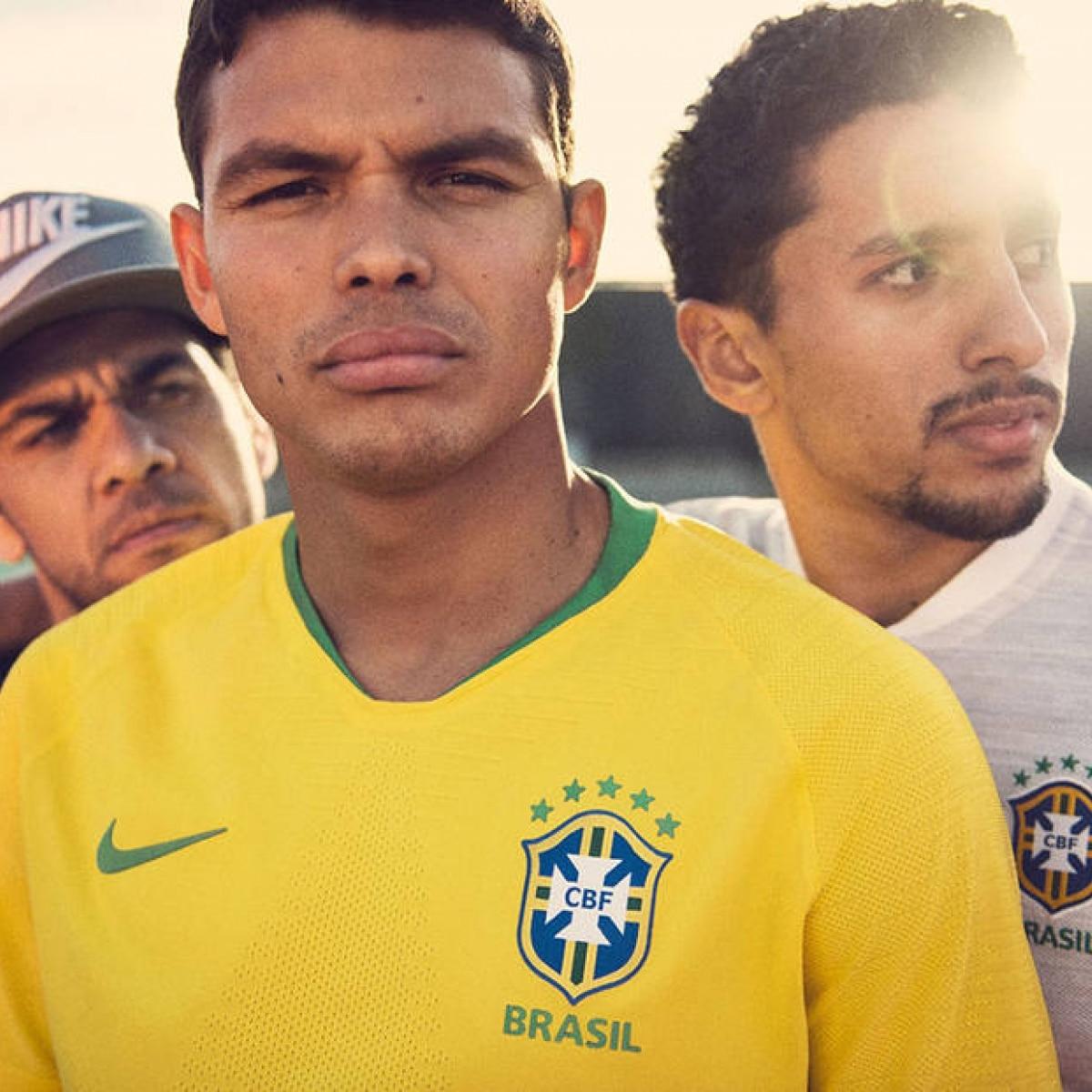 ... 707773b5672 CBF revela nova camisa do Brasil com amarelo vibrante  inspirado na Copa de 1970 ... a253a55e193b8