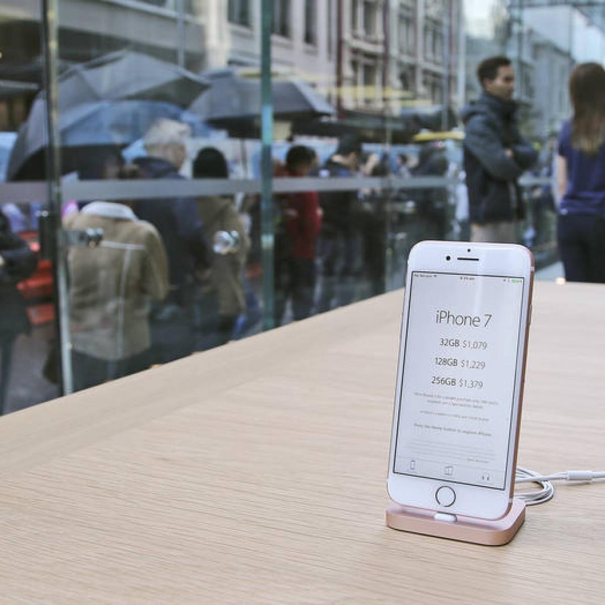 9732a0a1749 iPhone 7 começa a ser vendido no Brasil nesta sexta-feira - Link - Estadão