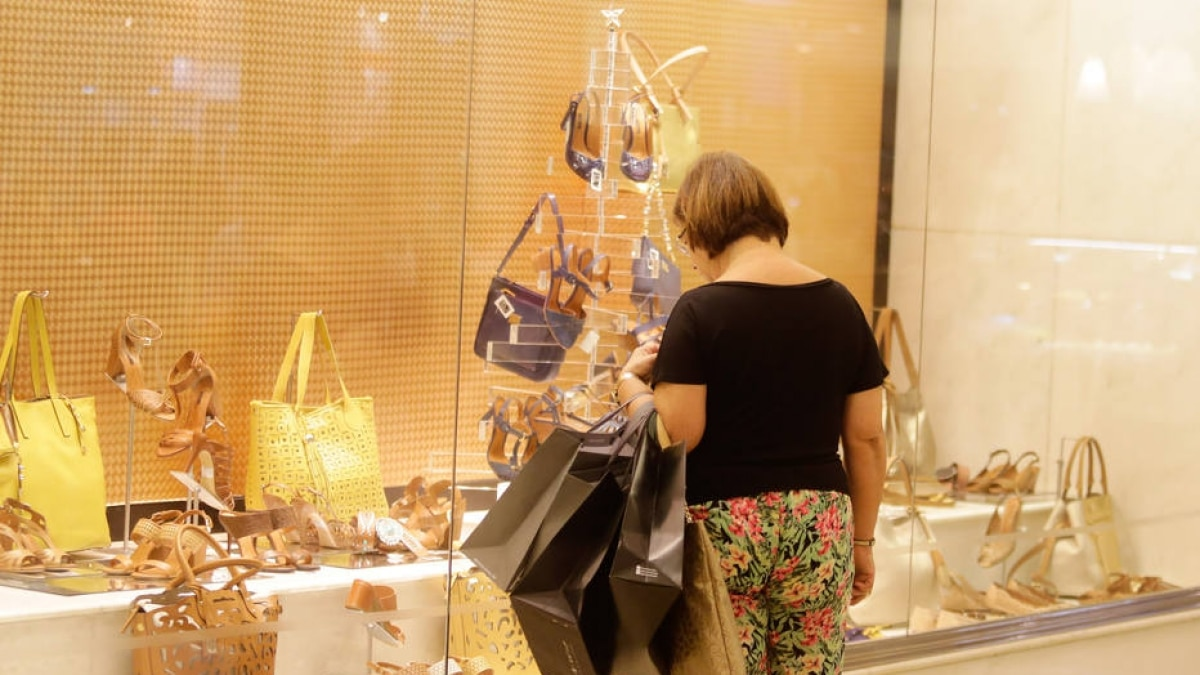 Shoppings devem precisar de 4 anos para ocupar 12 mil lojas que estão  vazias - Economia - Estadão dc33c8e0ebf