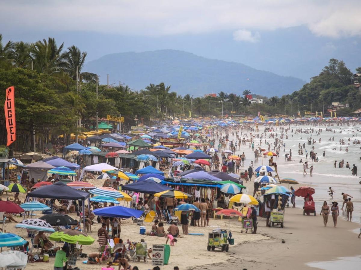 Calor de 30ºC lota praias de Ubatuba neste sábado - Saúde - Estadão