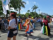 Fora do Brasil, no meio do carnaval