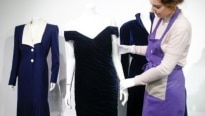 Vestido de princesa Diana é vendido em Londres