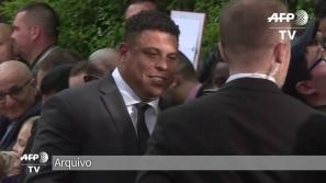 Ronaldo internado por pneumonia