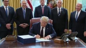Trump promulga megaplano econômico