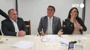 Bolsonaro diz que Macron fala 'besteira'...