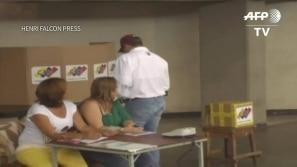 Adversário de Maduro vota na Venezuela