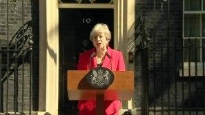 Primeira-ministra britânica renuncia