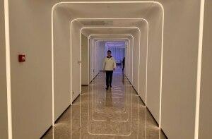 Hotel na China tem robô recepcionista e reconhecimento facial