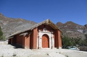 Rota do deserto: entre igrejas e povoados fantasmas