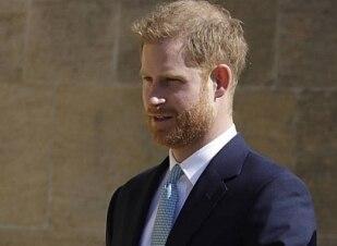 Jovem que chamou príncipe Harry de 'traidor da raça' é preso